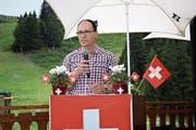 Die Frage, mit was man das «Geburtstagskind» Schweiz beschenken könnte, beantwortete Regierungsrat Marc Mächler unter anderem mit einem Beitrag zur positiven Entwicklung des Landes.Bild: Martin Broder