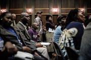 Eine Gemeindeversammlung in Südafrika bezüglich der neuen Landreform. (Bild: Gulshan Khan/AFP (Vereeniging, 27. Juli 2018))