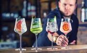 Die unerklärliche Lust auf Sommer im Glas: Im Winter trinkt das keiner. (Bild: Marian Vejcik/Getty Images)