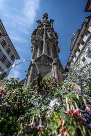 Der Brunnen am Weinmarkt in Luzern. Das Bild entstand am Donnerstag, 2. August 2018.Bild: (Pius Amrein / LZ)Brunnen, Wasser, Weinmarkt-Brunnen, Brunnen am Weinmarkt