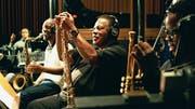 Marcus Strickland, Wayne Shorter und Ambrose Akinmusire (von links) bei den Aufnahmen zum All-Stars-Album. (Bild: Vinca Film)