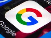 Kläger aus den USA werfen Google vor über Google Apps wie Google Maps Standortdaten zu sammeln, auch wenn Nutzer die entsprechende Option deaktiviert haben. (Bild: KEYSTONE/AP/MATT ROURKE)