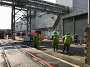Because hydrogen peroxide was leaking, the paper mill in Perlen LU used it on a large scale. (Image: Lucerne Police)