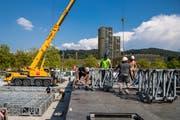 Aufbauarbeiten der Bühne für das Konzert der Toten Hosen auf der Allmend Luzern am Dienstag, 21. August 2018.