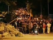 Der Fackelzug in Amatrice in der Nacht auf Freitag zum Gedenken der Erdbebenkatastrophe vor zwei Jahren. (Bild: Keystone/AP ANSA/EMILIANO GRILLOTTI)