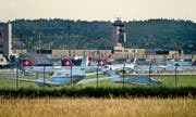 Allein im Monat Juli betrug das Passagier-Aufkommen am Flughafen Zürich 3,13 Millionen Personen. (Bild: Hansjörg Egger (Kloten))