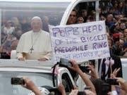 Der Papst ist nicht nur gern gesehen in Irland. (Bild: KEYSTONE/AP/MATT DUNHAM)