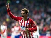Antoine Griezmann erlöst die Fans von Atlético mit seinem Treffer im Derby gegen Rayo Vallecano (Bild: KEYSTONE/EPA EFE/RODRIGO JIMENEZ)