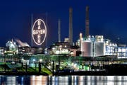 Das Bayer-Werk in Leverkusen. Bild: Sascha Steinbach/EPA (2. Juli 2018)