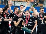 Erster Titel in der neuen Saison: Nach dem Cupsieg in der letzten Saison gewann Pfadi Winterthur in der eigenen Halle auch den Supercup (Bild: KEYSTONE/CHRISTIAN MERZ)