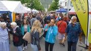 Auch am 36. Buchserfest füllte sich die Bahnhofstrasse mit unzähligen Besuchern. (Bild: Hansruedi Rohrer)