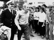 Am 14. März 1973 wird John McCain, Mitte, in Hanoi (Vietnam) freigelassen. (AP Photo/Horst Faas, File)