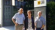 Regierungsrätin Barbara Bär (Mitte) mit dem bisherigen Kantonsarzt Philipp Gamma (links) und seinem Nachfolger Jürg Bollhalder. (Bild: PD)