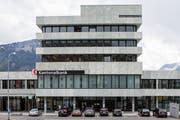 Sitz der Schwyzer Kantonalbank in Schwyz (Bild: Alexandra Wey / Keystone, 12. Mai 2017)