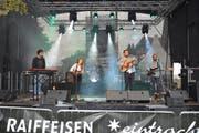 Adam's Wedding, die Band aus dem Zürcher Oberland und Gewinner des Bandwettbewerbs von Spektakulair, heizte dem begeisterten Publikum am Samstagnachmittag ein. (Bild: Beat Lanzendorfer)