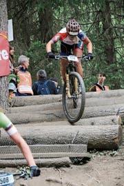 Mit vollem Einsatz und Leidenschaft auf der Strecke: Die Sennwalder Nachwuchsfahrerin Nicole Göldi an der EM in Italien. (Bild: PD)