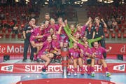 Spono Nottwil feiert mit dem Super-Cup bereits den dritten Titel in diesem Jahr. (Bild: Martin Deuring (Winterthur, 26. August 2018)