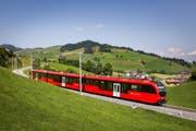 """Ersetzen zwischen Gossau und Wasserauen nach und nach die alten Züge: die """"Walzer"""" von Stadler-Rail. (Bild: PD)"""