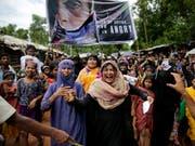Rohingya-Flüchtlinge protestieren in Bangladesh gegen ihre Vertreibung. Sie berichten über Gewalt und Verfolgung in Myanmar. Menschenrechtsexperten bestätigen die schlimmsten Gräueltaten. (Archiv)) (Bild: KEYSTONE/AP/ALTAF QADRI)