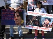 Menschenrechtler werfen dem Militär in Myanmar vor, grausame Menschenrechtsverletzungen begangen zu haben. Kritisiert wird auch Regierungschefin Aung San Suu Kyi, die ihre moralische Autorität nicht genutzt habe, um Verbrechen zu verhindern. (Bild: KEYSTONE/AP The Canadian Press/JUSTIN TANG)
