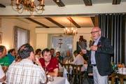 OK-Präsident Bruno Lüscher bedankt sich bei den Verantwortlichen des Thurgauer Kantonalschützenfestes für ihren Einsatz. (Bild: PD)