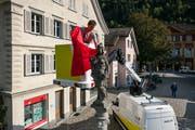 Für den Start der App «Sqwiss» wurde die Urania auf dem Lehnplatz mit einem roten Tuch eingehüllt. (Bild: Philipp Schmidli (Altdorf, 28. August 2018))