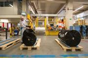 Die Industrie – im Bild die Papierfabrik Perlen – vermeldete eine gut Geschäftslage. (Bild: Dominik Wunderli, 15.03.2017)