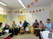 Im Jubiläumsjahr hat sich die Perkussionsgruppe unter der Leitung von Ferdi Rauber gebildet. Selbstverständlich spielte sie am Fest zur Unterhaltung auf. (Bild: Kathrin Burri)
