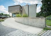 Nach dem gestrigen Ja des Stadtparlaments kann das Schulhaus Hof mit Räumen für die Tagesbetreuung ergänzt werden. (Bild: Jil Lohse)