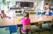 Ostschweizer Primarschüler erhalten mehr Unterricht. (Bild: Andrea Stalder)