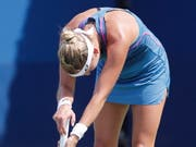 Timea Bacsinszky lässt den Kopf hängen - out in der 1. Runde am US Open (Bild: KEYSTONE/EPA/JOHN G. MABANGLO)