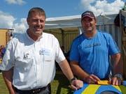 Werner Durrer (links) zusammen mit dem ehemaligen Obwaldner Schwinger Peter Imfeld. (Bild: PD)