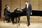 Der britische Tenor Ian Bostridge in Schwarzenberg - mit Julius Drake am Flügel. (Bild: Schubertiade)
