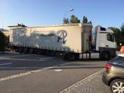 Auf der Feldkircherstrasse ging rund eineinhalb Stunden gar nichts mehr. (Bild: Landespolizei)