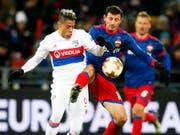 Mariano Diaz (links) spielte für Lyon in der letzten Saison unter anderem in der Europa League gegen Alan Dsagojew und ZSKA Moskau (Bild: KEYSTONE/EPA/YURI KOCHETKOV)