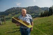 Niklaus Schmid will die historische Standseilbahn von Heiligkreuz nach First wieder aufbauen. Bild: Dominik Wunderli (Heiligkreuz, 28. August 2018)