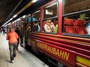 Die Jungfraubahn-Gruppe hat im ersten Halbjahr einen Rekordgewinn eingefahren. (Bild: KEYSTONE/GAETAN BALLY)