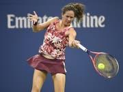 Patty Schnyder zeigte gegen Maria Scharapowa eine starke Leistung, kassierte aber dennoch eine Niederlage (Bild: KEYSTONE/EPA/COREY SIPKIN)