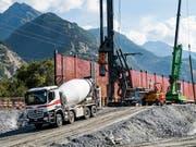 Die Schweizer Baukonjunktur kühlt sich ab. Im Sommer fiel der Bauindex auf den tiefsten Stand seit zwei Jahren. (Bild: KEYSTONE/JEAN-CHRISTOPHE BOTT)