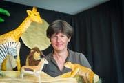 Margrit Proske hat Bühnenbild und Figuren selber gebaut. (Bild: Hanspeter Schiess)