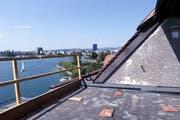 Die Maisonette-Wohnung wird mit einer Dachterrasse ausgestattet sein. Bild: Werner Schelbert (Zug, 3. August 2018)