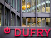 Der Zollfreiladen-Betreiber Dufry hat im Halbjahr erneut einen Verlust geschrieben - allerdings ist das erste Semester saisonal schwächer. (Bild: KEYSTONE/PATRICK STRAUB)