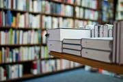 In den Buchhandlungen finden sich mehr Erzeugnisse von männlichen Autoren. (Bild: Keystone)