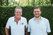 Auf die nächste Saison hin geht Norbert Frei (links) in Pension, Christoph Meyer wird neuer Strandbad-Pächter. (Bild: Gert Bruderer)