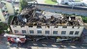 Die Maschinenfabrik wurde total zerstört. (Bild: Kapo Schwyz)