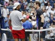 Andy Murray (rechts) bestritt am US Open in New York sein erstes Grand-Slam-Turnier seit mehr als einem Jahr (Bild: KEYSTONE/EPA/JOHN G. MABANGLO)