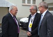 OK-Präsident Urban Camenzind (rechts) und Co-Präsident René Röthlisberger freuten sich, Bundesrat Johann Schneider-Ammann auf dem Areal der «Uri 18» begrüssen zu dürfen. (Bild: PD, Altdorf, 30. August 2018)