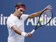 Roger Federer brach den Widerstand des Franzosen Benoit Paire (Bild: KEYSTONE/EPA/COREY SIPKIN)