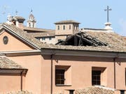 Die Kirche San Giuseppe dei Falegnami stammt aus dem 16. Jahrhundert. Sie steht über dem Mamertinischen Kerker, in dem die Apostel Petrus und Paulus in Haft gewesen sein sollen. (Bild: Keystone/EPA ANSA/ANGELO CARCONI)