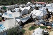 Das Flüchtlingslager Moria auf Lesbos ist schon seit geraumer Zeit mehr als doppelt überbesetzt. (Bild: Thanassis Stavrakis/AP; 16. März 2017)